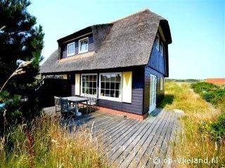 """Vakantiehuis """"Seal Cottage"""" ligt op de Ankerplaats in de duinen op Vlieland www.Seal.Cottage.op-Vlieland.nl"""