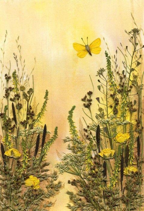 Картина из засушенных цветов и листьев. Автор Вишня Ольга.