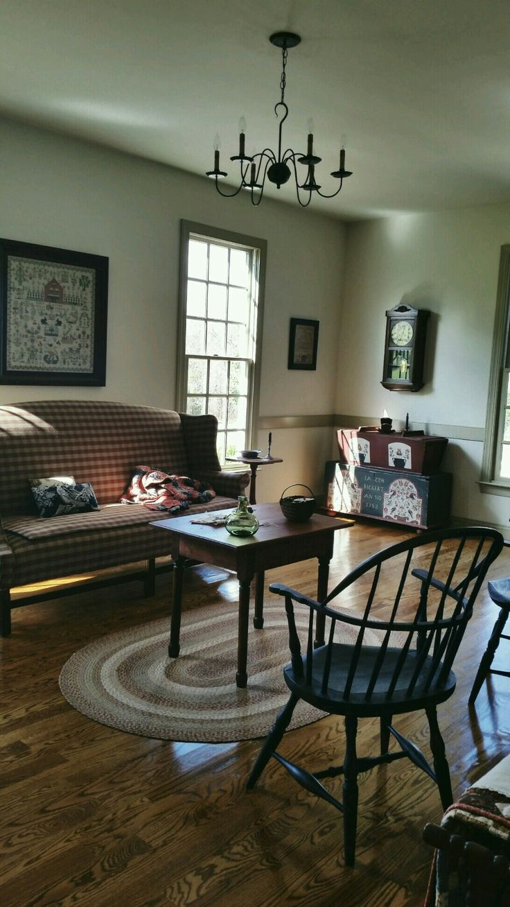 Primitive living room furniture - Find This Pin And More On Colonial Main Living Rooms And Decor Country Colonial Primitive Family Room