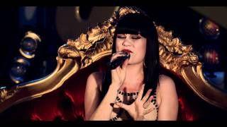 Jessie J - Domino (VEVO Presents: Jessie J, Live in London) - YouTube
