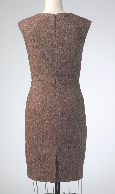 V1420 Anne Klein dress for Vogue Patterns. Back view. #voguepatterns