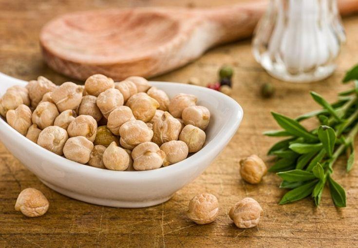 3 x hummus recept: spinazie-, bieten- & klassieke hummus | Women's Health