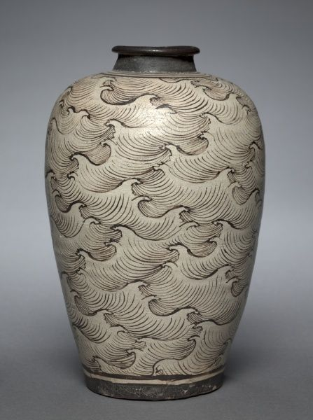 Cizhou Ware Vase w/ Wave Pattern - Late Southern Song/Early Yuan Dynasty