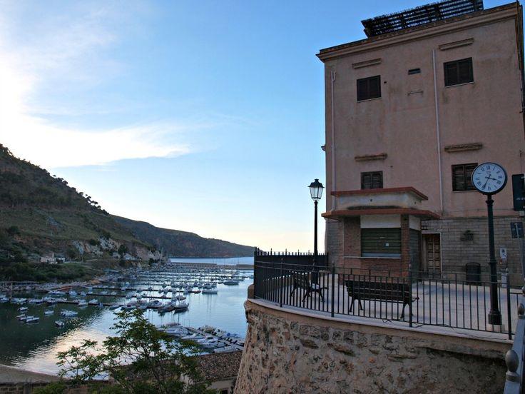 Dlaczego Castellammare del Golfo jest idealną bazą wypadową zachodniej Sycylii
