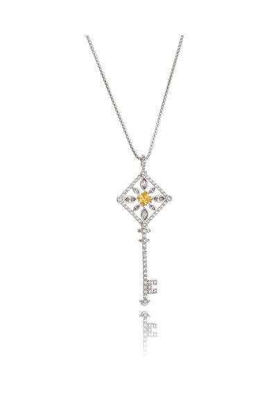 87ea444e74a53 Colar-chave-tiffany-prata-pedras-amarelas-grande-com-corrente-longa-semijoia    Semi joias   Tiffany