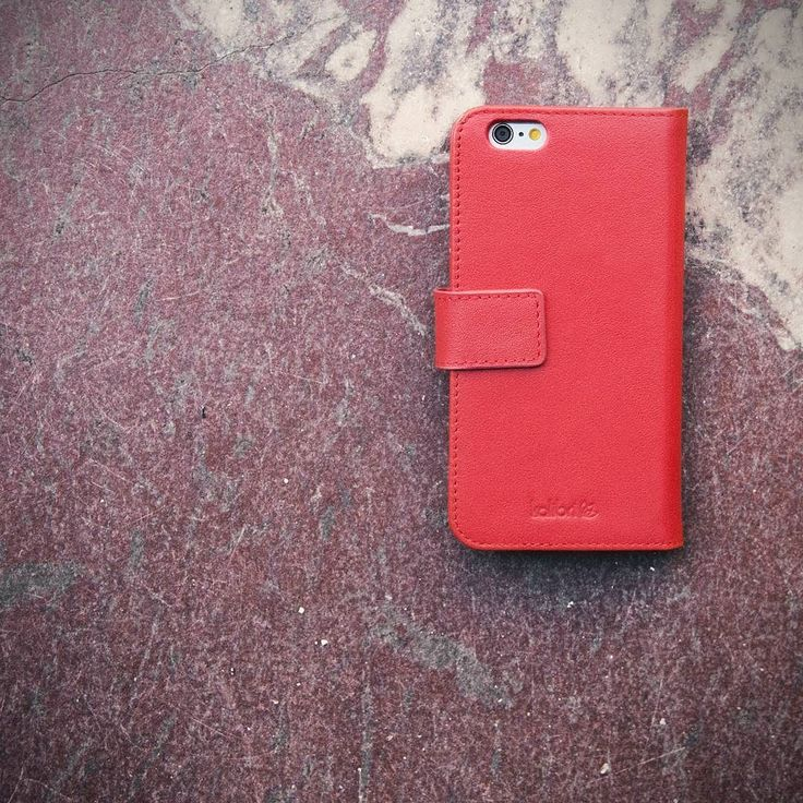 Simple elegance. We are still in love with our bright red leather cases from the James series. Available for iPhone SE 5 and 6 Samsung Galaxy S5 and soon for iPhone7.  Link in bio and here: http://amzn.kalibri.de/james-red03  #kalibri #mobileaccessories #iphone #samsunggalaxy #smartphone #samsung #leathercase #iphone6 #sony #huawei #phone #essentials #leathercase #genuineleather #minimalism #design #berlin #leder #accessories #caseoftheday #jamesbykalibri