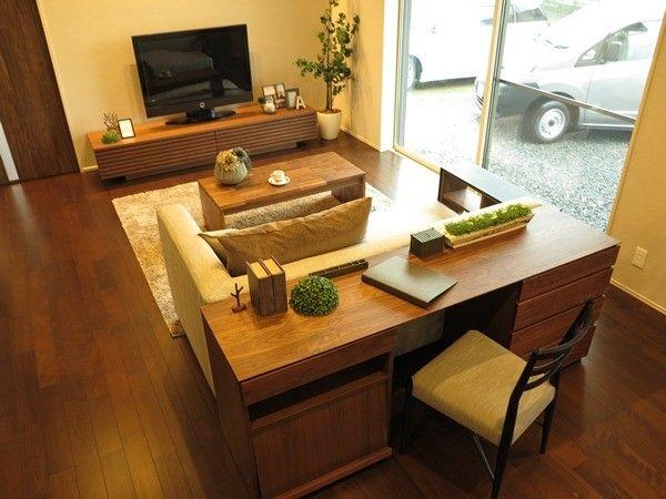 ソファの後ろにデスクユニットを置く家具のレイアウト提案 ソファとデスクの高さが同じだからできる一体感のある見え方 ソファ 後ろ リビングダイニング レイアウト 10畳 家具のレイアウト