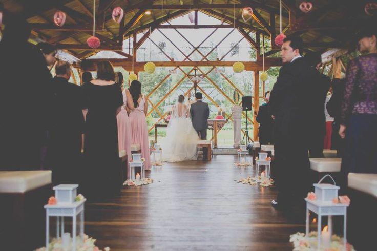 Un cuento de boda. ceremonia rosa