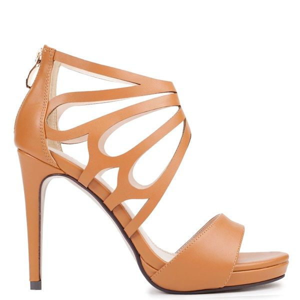 Camel multistrap high-heel sandal. Fastens with zipper on the back part.