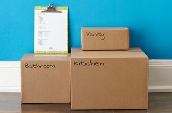Simplify this big undertaking with our step-by-step guide to managing your move, packed with tips, tricks and cleaning guides. Plus, a free downloadable checklist to help you stay on track.