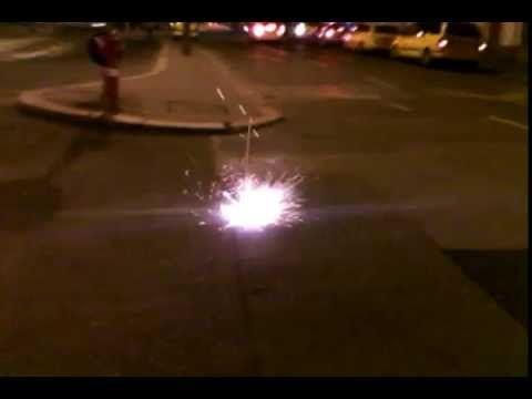 Fireball (live on the street)  Gömbvillám