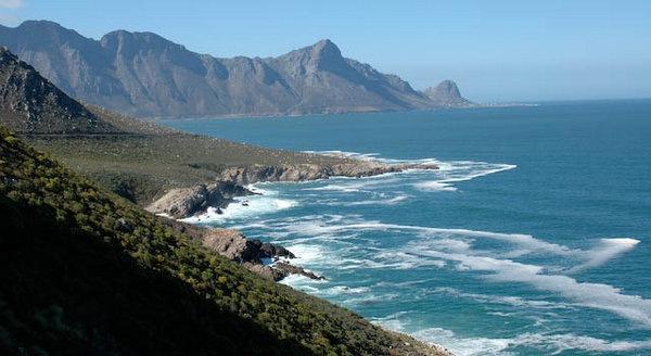 Coastline on route to Hermanus