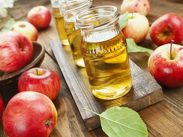 Nevěříte kupovaným džusům, protože o jejich složení nemáte valné iluze? Naházejte si do odšťavňovače pár jablek a udělejte si vlastní. ...