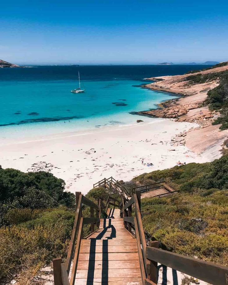 Blue Haven Beach on the Perth to Esperance Road Trip | The Perth to Esperance road trip is the best road trip in the world. Find out the best route to discover all the amazing places in Australia's South West! | Esperance | Cape Le Grande | Perth | Margaret River Region #roadtrip #australia #backpacking