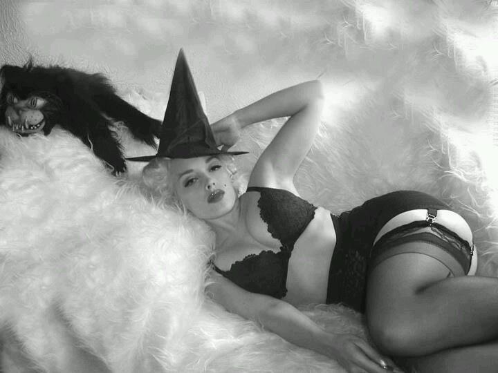 Happy sexy halloween