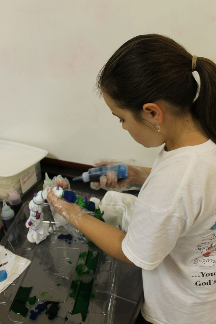 In May 2013, the Town hosted a Tie Dye Class for children.