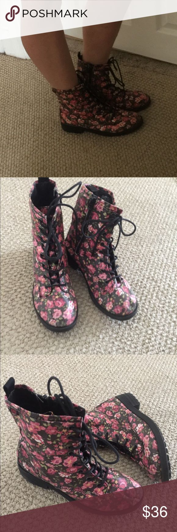 Big Buddha Floral combat Boots Great boots by Big Buddha sz 8.Light weight so you can wear  them in the spring or summer.Zipper inside ankle.Tie fronts.Very nice condition /only worn a few times. Big Buddha Shoes Combat & Moto Boots