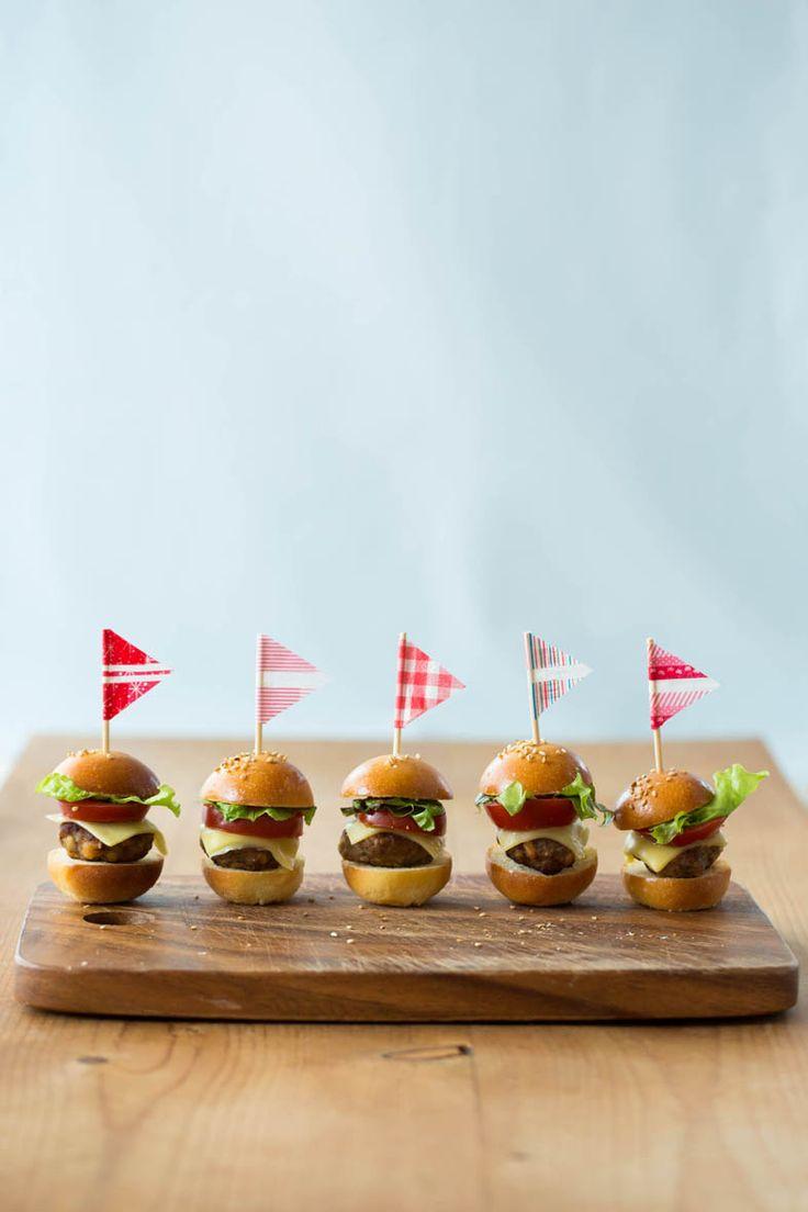 アメリカで大ブームを起こした、ミニサイズのハンバーガー「スライダー」
