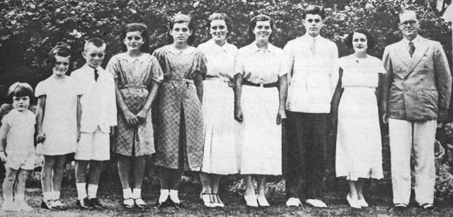 OĞUZ TOPOĞLU : kennedy ailesi 1934 aile fotoğrafı edward kennedy,...