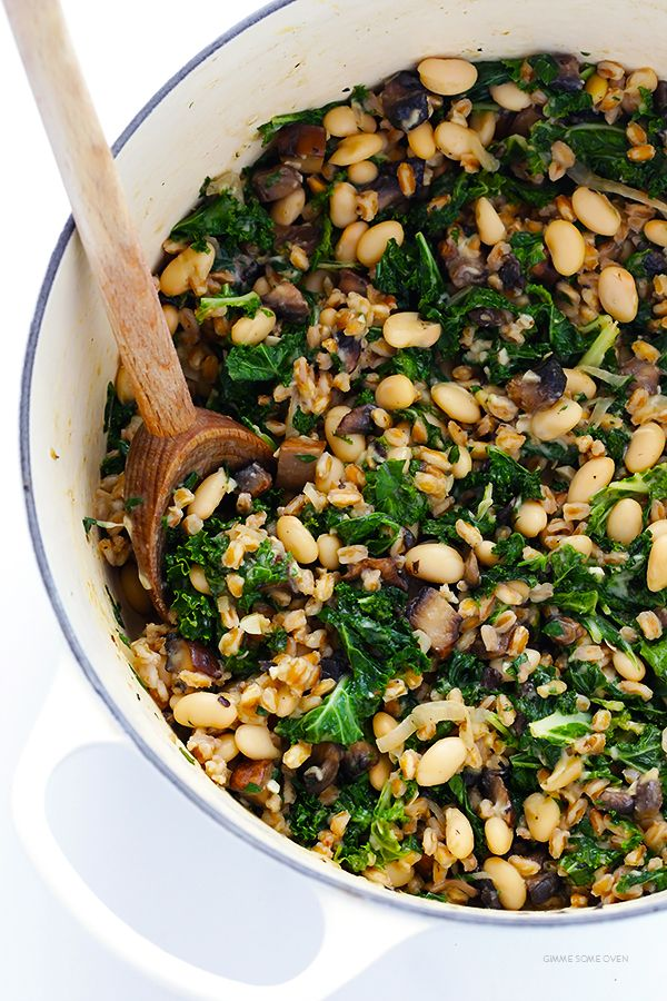 Creamy Farro with White Beans and Kale -- easy to make, nice and hearty, and…