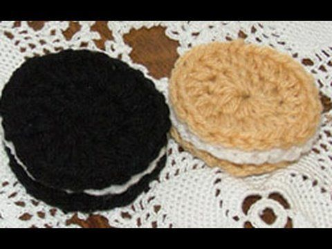 Chocolate or Vanilla #Crochet Oreo Cookie