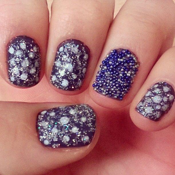 #winter #wonder #nails #nailpolish #Christmas #julenegler #fhsliv #klar #til #ballet #vinter #caviar #ciate #glitter