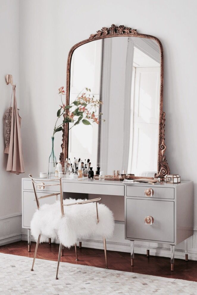 love this beautiful antique dresser and mirror beautiful for a teenage girls bedroom - Antique Bedroom Decorating Ideas