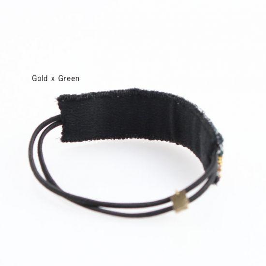 ビジュー刺繍アイテムのアクセサリーショップ (バイ トライバリュクス) ボーダー柄のビーズ刺繍ヘアゴムです。