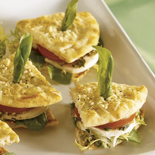 Caprese Mini Sandwiches - The Pampered Chef® http://www.pamperedchef.biz/mcmillin2015