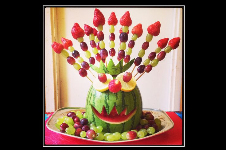 Edible Monster Creation for our monster party! Fruit skewers to keep kids healthy and away from too much refined sugar. They loved him! Edible arts and craft parties with a strong focus on healthy food. For our FREE newsletter sign up at www.theminimakery.co.uk edible craft ideas for kids to keep them healthy
