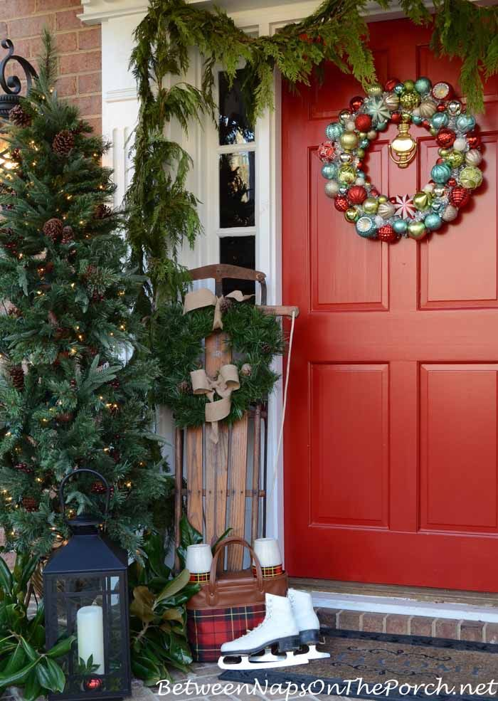 25 Best Ideas About Christmas Porch On Pinterest
