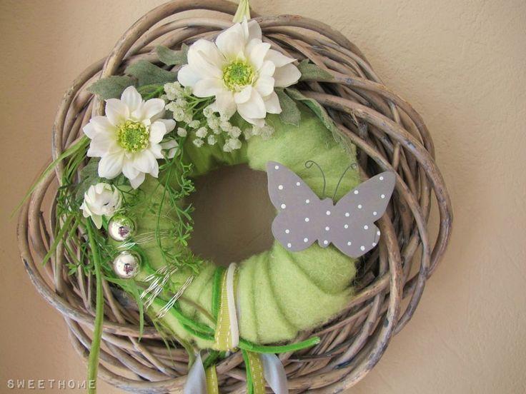 * Türkranz * KRANZ Schmetterling 35 cm *shabby Rattankranz * Filzkranz grün