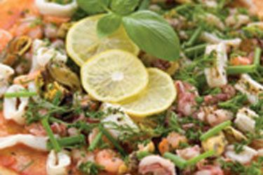 Pizza with seafood mix and herbs – Recipes – Bite