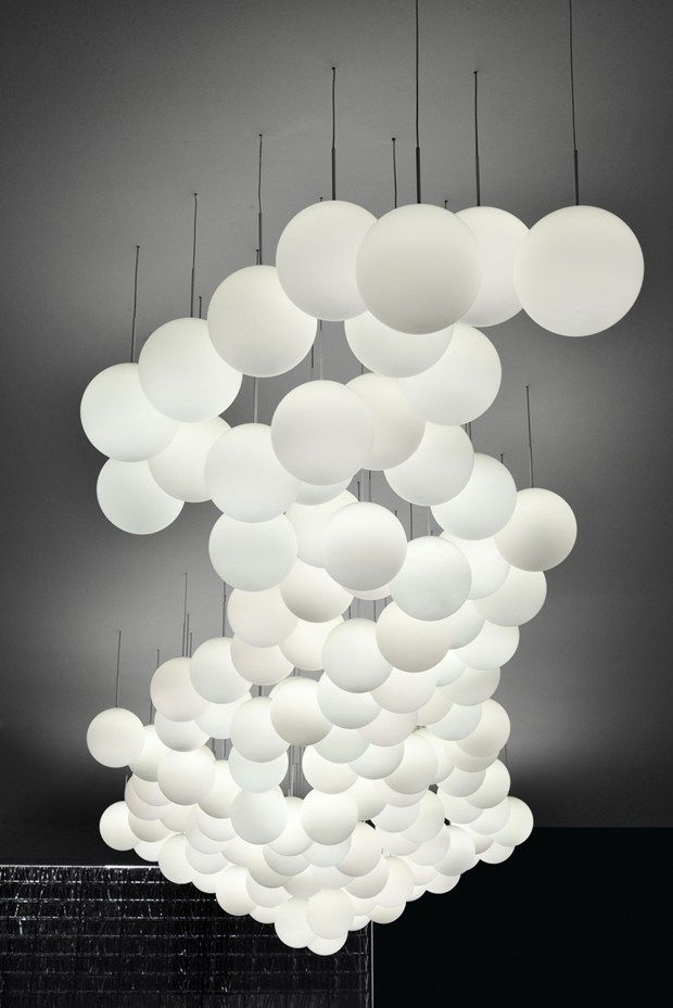 Lumi by Fabbian Suspension chandelier. Lighting inspiration. See more: http://www.brabbu.com/en/inspiration-and-ideas/