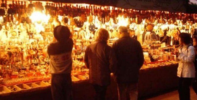 04 dic. - 24 dic. Bari. Mercatino natalizio. In occasione delle prossime festività natalizie si svolgerà un grande mercatino tematico con prodotti tipici, artigianato, idee regalo, presepi ed enogastronomia a tema natalizio.