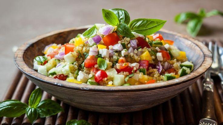 Insalata di quinoa con feta e peperoni – La ricetta