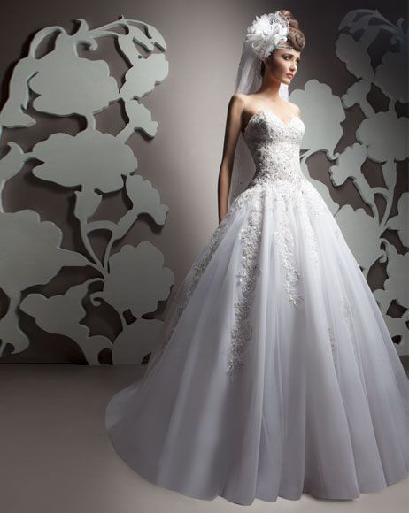 SOPHISTICATED SIMPLICITY BRIDAL COLLECTION