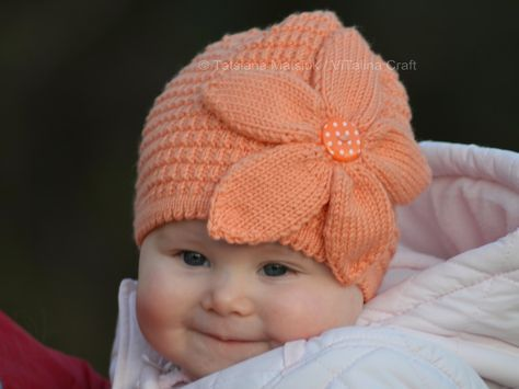 Today I would like to introduce my first knitting project in New Year 2014. It is new knitted hat for my baby.    The hat is knitted ...