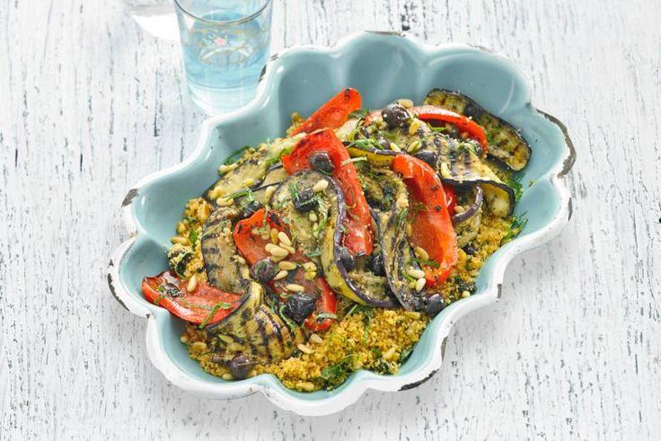 Met de verleidelijke smaken van munt, paprika en oosterse specerijen zet je een geweldig Arabisch gerecht op tafel - Recept -Couscous met gegrilde groenten - Allerhande