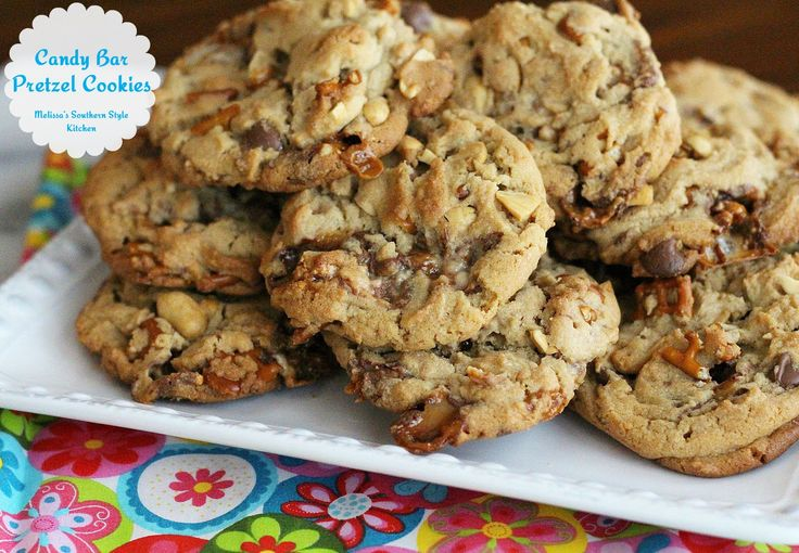 Melissa's Southern Style Kitchen: Candy Bar Pretzel Cookies