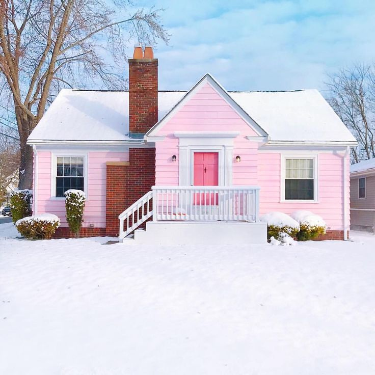 """20.7k Likes, 297 Comments - Grace Bonney (@designsponge) on Instagram: """"This pink home (that belongs to @theconnoisseurofcute ) is the sweetest thing 💕💕"""""""
