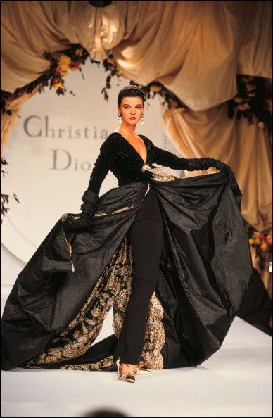 1990-91 - Gianfranco Ferre for Christian Dior Couture show
