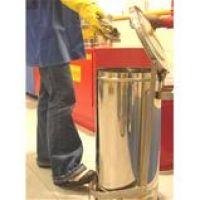 Container R8 para descarte de resíduos sólidos  Container R8 para descarte de resíduos sólidos (panos, papéis ou flanelas) contendo inflamáveis ou combustíveis. Fabricado em aço inox AISI 430, polido em cor natural c