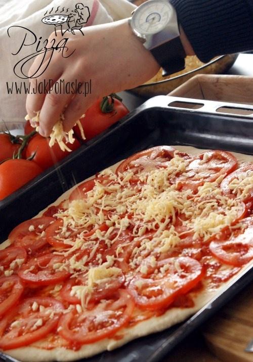 Pizza Neapolitańska z sosem Basilico Łowicz http://www.jakpomasle.pl