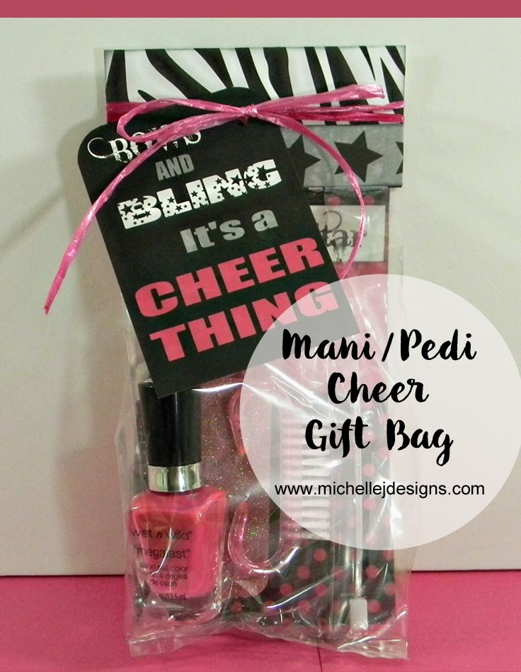 Mani-Pedi Cheer Gift Bag :http://michellejdesigns.com/mani-pedi-cheer-gift-bag/