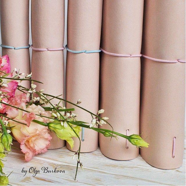 Вчера уже не было сил ответить всем на комментарии ☺️ поэтому говорю сейчас! Большое всем спасибо за поздравления! Всем и каждому!  Нам оооочень очень приятно! Ну а после нашей розовой годовщины свадьбы  вот такое розовое настроение  все блокноты на фото в наличии  подробнее о них здесь @_by_olga_burkova_ #Padgram