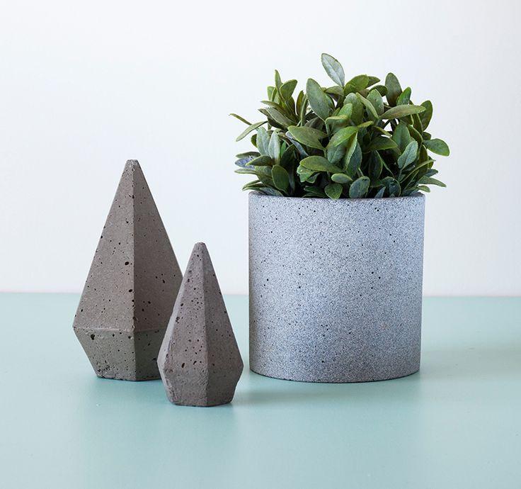Concrete Pots by Zakkia