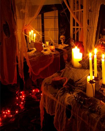 decorate your house from indoor and outdoor with these 20 halloween party ideas source www