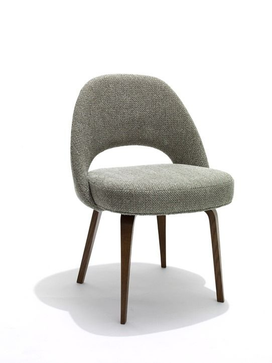 Saarinen Executive Chair with Wood Leg KNOLL