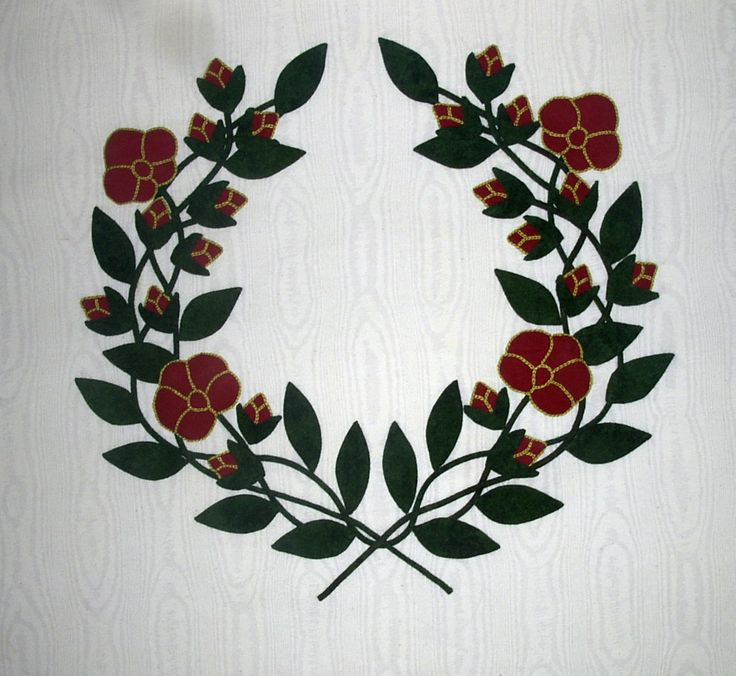 "Intertwined Wreath of Roses (pattern by Elly Sienkiewicz and made by Nancy Kerns for Elly's book ""Best of Baltimore Beauties, Volume 2"